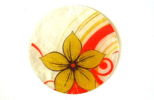 032 perleťové placky tenké- květina žlutá