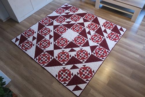 SLEVA patchworkový přehoz RED QUILT