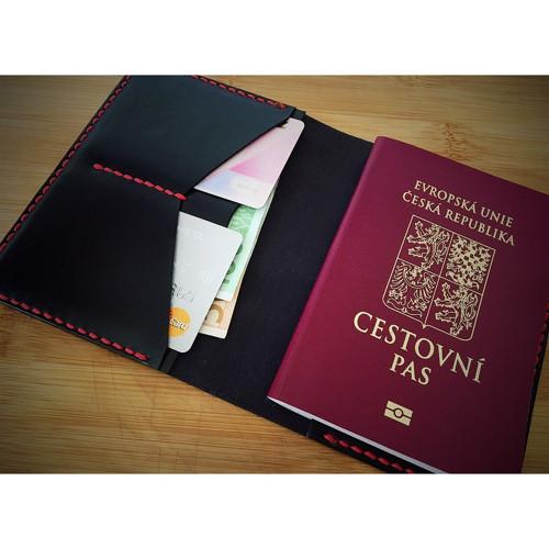 Kožená dokladovka na cestovní pas