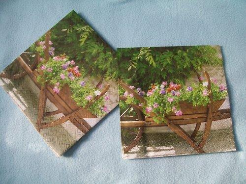ubrousek 32x32 cm - trakař s květinami
