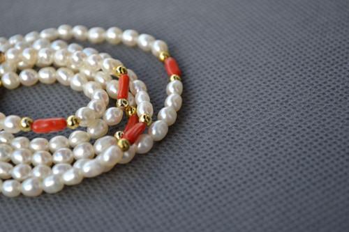 Náhrdelník s náramkem, perly a korál