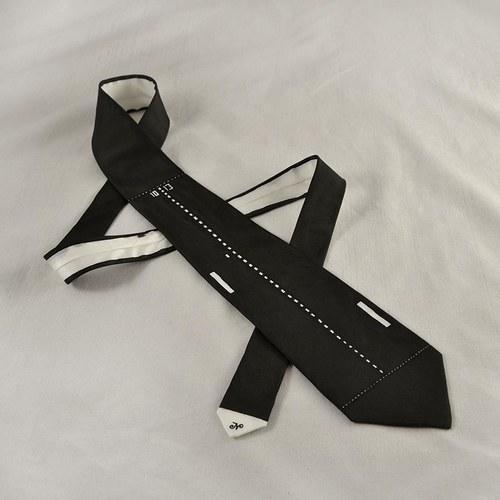 Černá kravata na přání