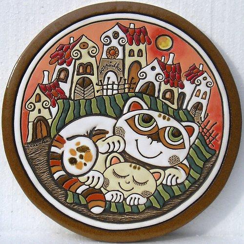 Keramický obrázek - Kočky a vesnička K-144-R