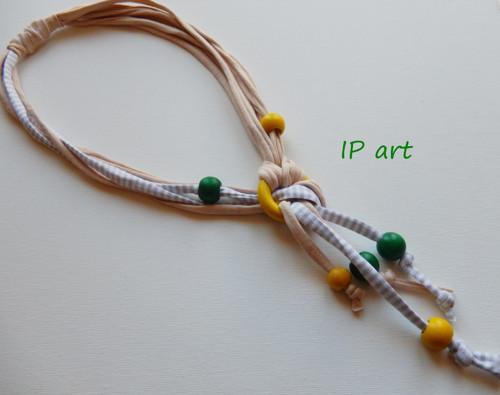Se střapcem - náhrdelník