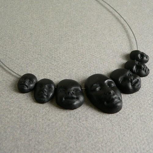 Náhrdelník mnoha tváří (černá barva)