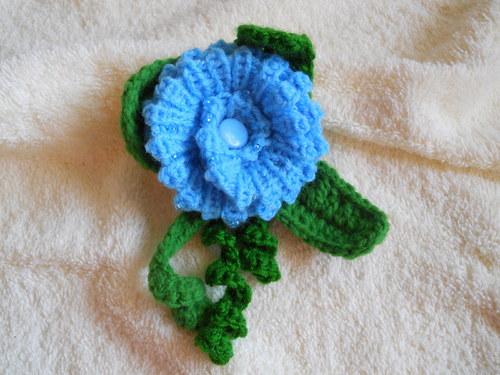 zimní květina I.- blankytně modrá
