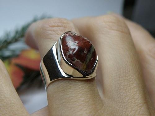 Stříbrný prsten s jaspisem II.