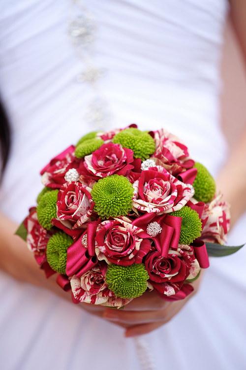 """Svatební kytice - \""""tak trochu jiná růže\"""""""