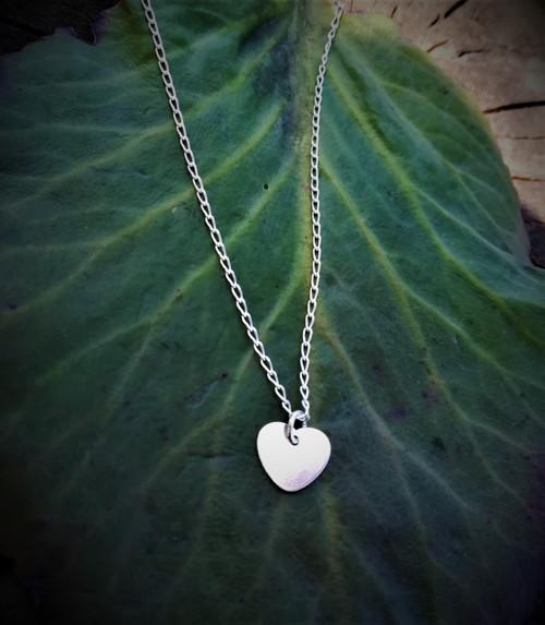 Stříbrný náhrdelník se srdíčkem