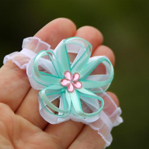Náramek pro družičku - mint s růžovou kytičkou