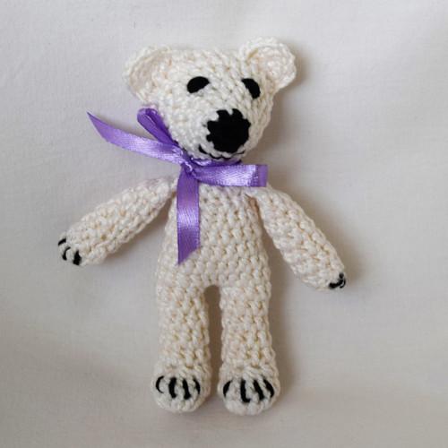 Háčkovaný medvídek bílý frajer
