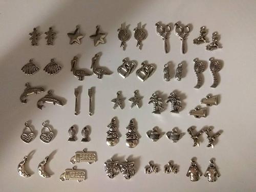 Sada přívěsků 50 ks- 25 párů č.12