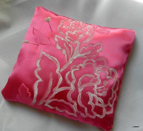 Polštářek  pod prstýnky, malovaný, růžový
