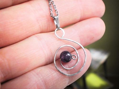 Harmonický ametyst náhrdelník chirurgická ocel