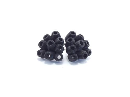 Náušnice koral black