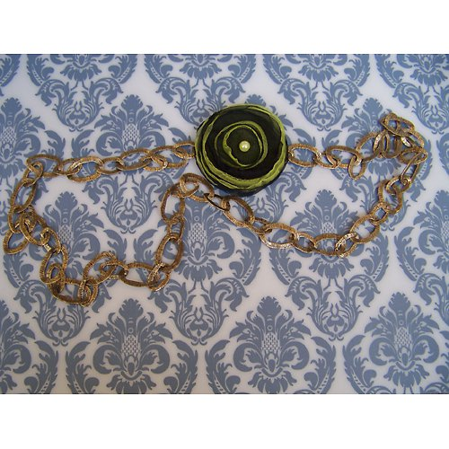 Bronzový náhrdelník s odepínací kytičkou 2