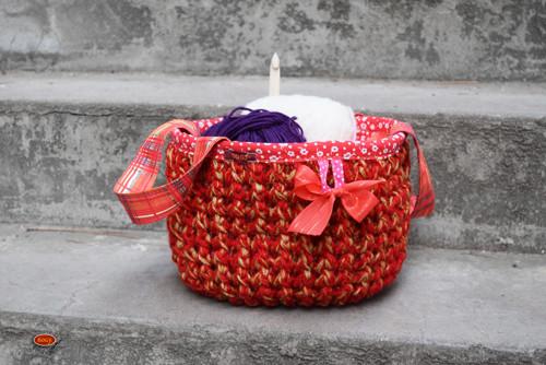 recy háčkovaný košík červený, pro karkulku 4