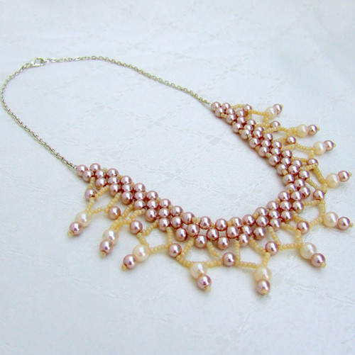 Šitý náhrdelník Alfonsie