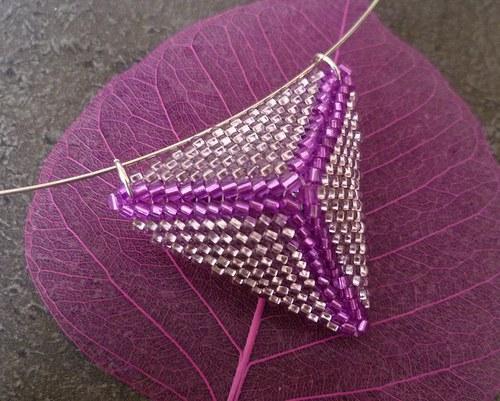 trojúhelník růžový