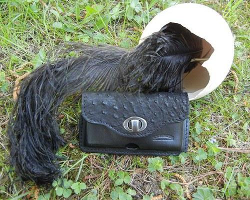 Luxusní kožené pouzdro na mobil s pštrosem