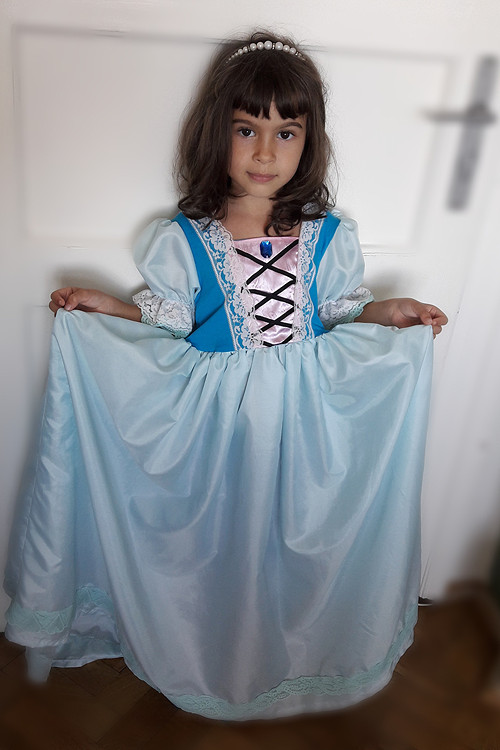 510a856ef4b0 Šaty pro princeznu Popelka   Zboží prodejce La Romantica
