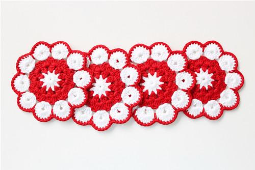 Podložky pod hrnky - červenobílé květy