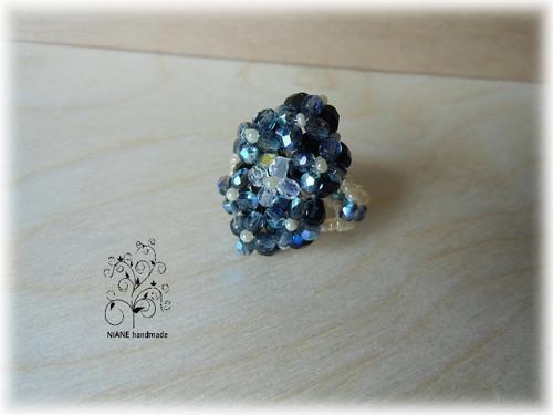 PRSTÝNEK Z KORÁLKŮ 46 - černý květ