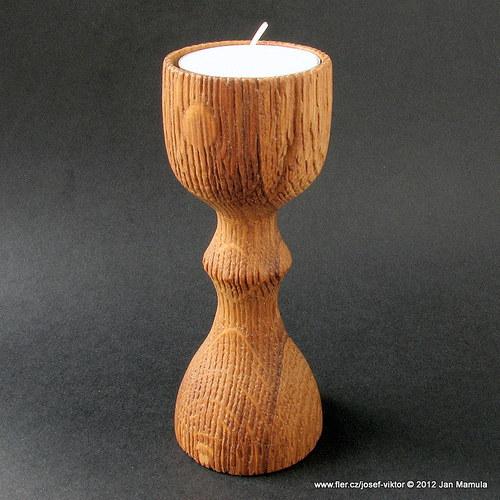 CHUDÝ RYTÍŘ dřevěný svícen