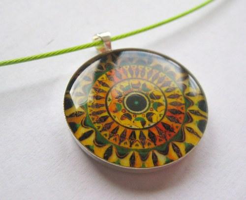 Mandala ženský kruh - prívesok v živici