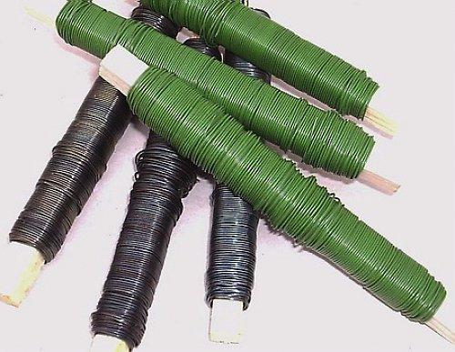 drát na dřevěné cívce zelená barva 100 g