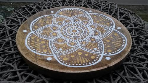 Dřevěný talíř Mandala