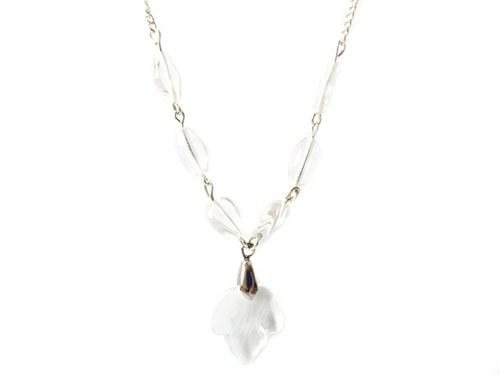 Elegantní čirý náhrdelník