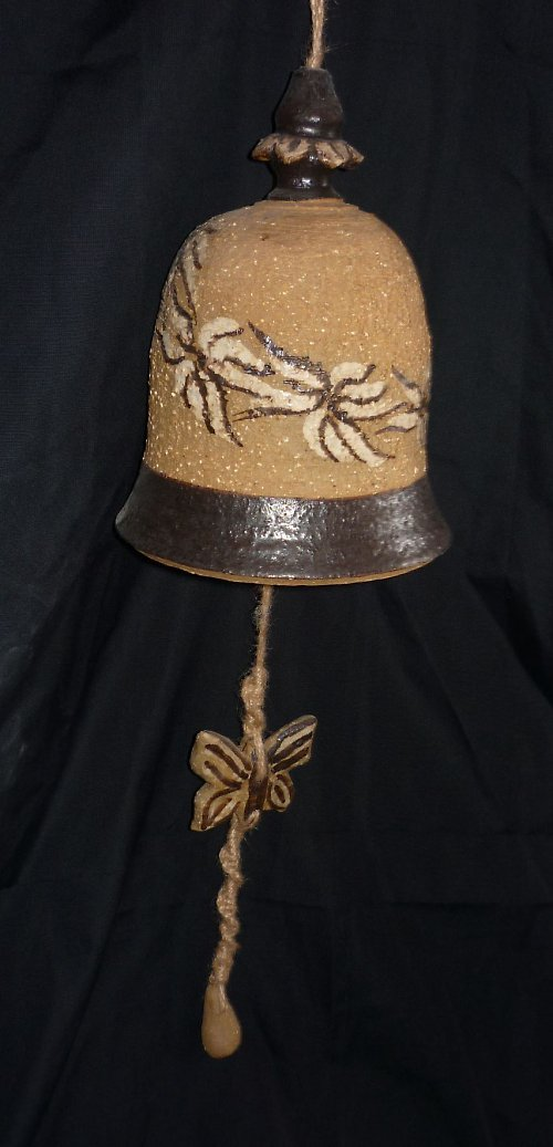 Keramický zvon s motýly
