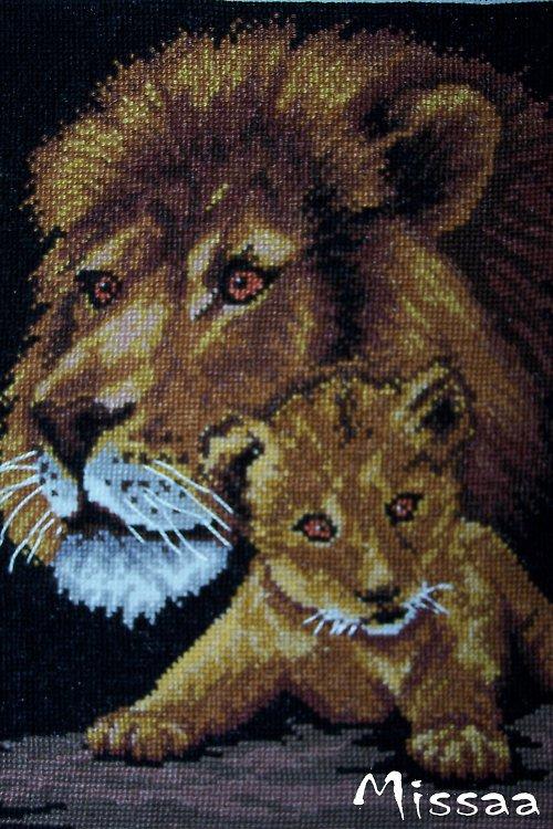 Lev s lvíčkem