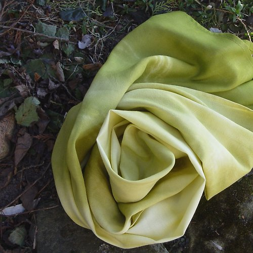 batikovaný šál KLID V ZELENÉ