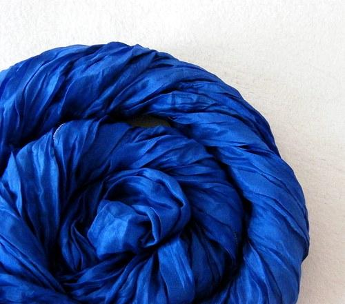 Královská modrá...hedv.šála 55x200