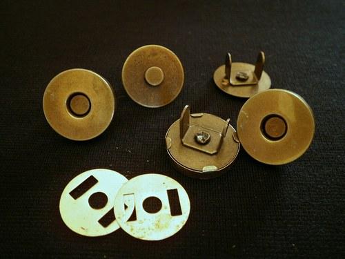 !!!Magnetické zapínání 14mm,staromosaz - 20ks...