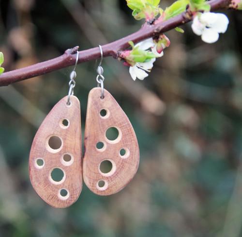Křidélka kakaová - dřevěné náušnice (nerez háčky)