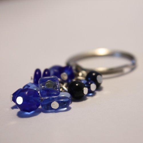 Modrý přívešek na klíče