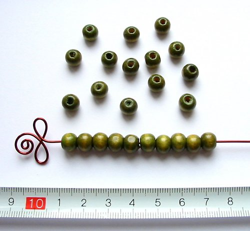Dřevěné kuličky khaki, průměr 8 mm, 50 ks