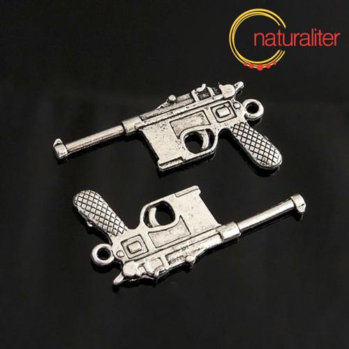 Pistole Mauser C96 - přívěsek starostříbro 43x22mm