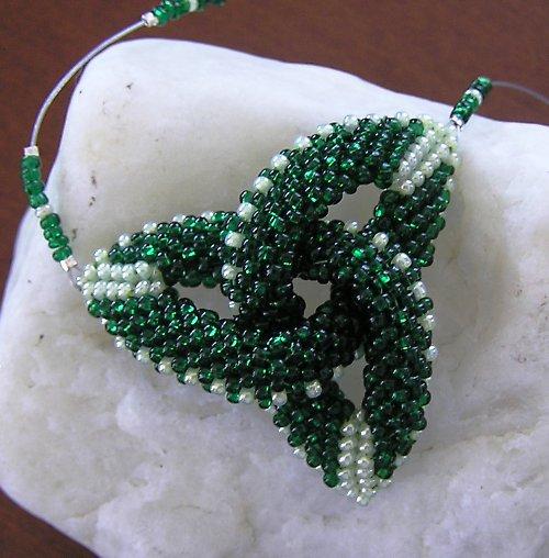 Malá zelená triquetra
