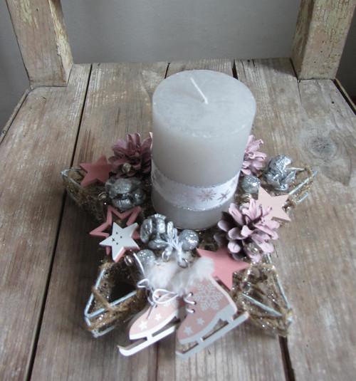 Stříbrno-růžový svícen