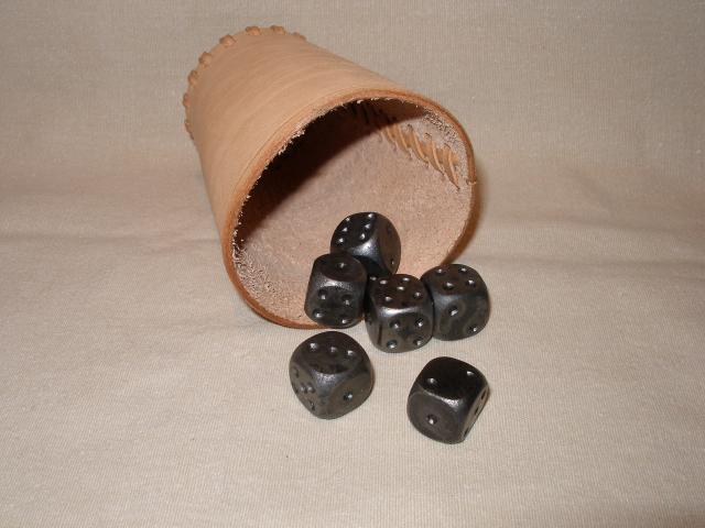 hrací kostky ocel