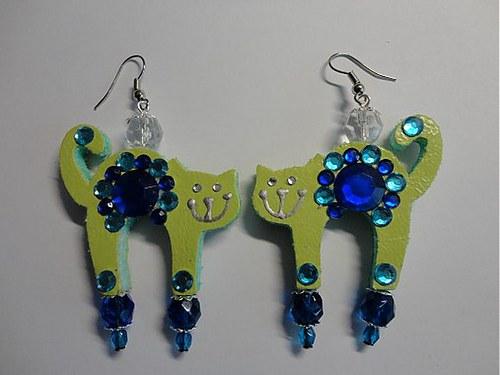 Mačička zeleno-modro-modrá:)