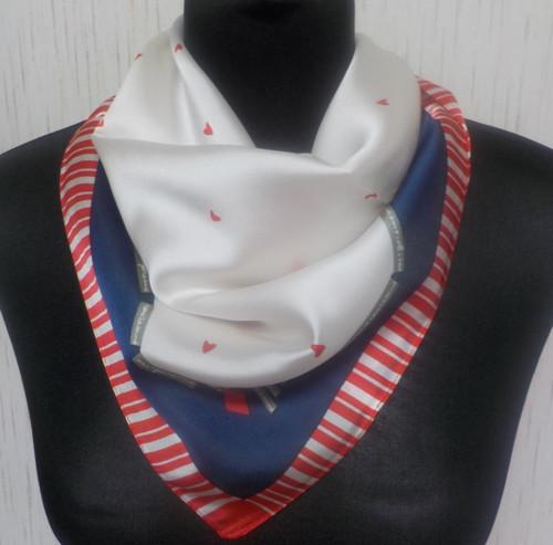Malý šátek z hedvábí—Srdce 1