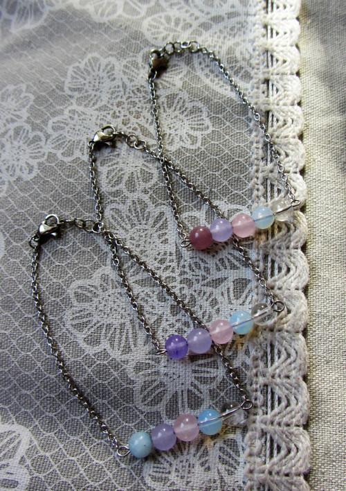 Něžné barvy nefritu & křišťál / nerez náramek