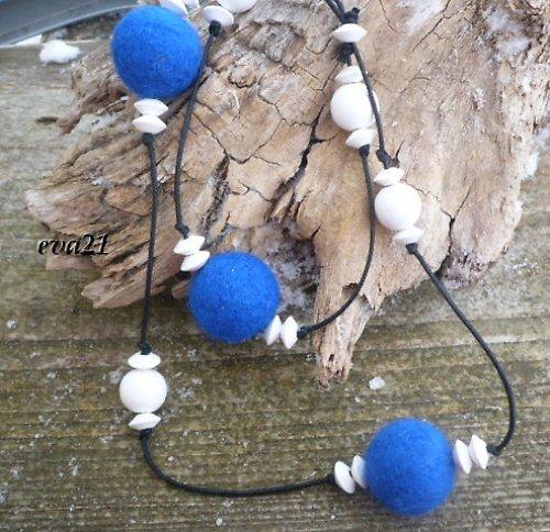 Modrobílý náhrdelník