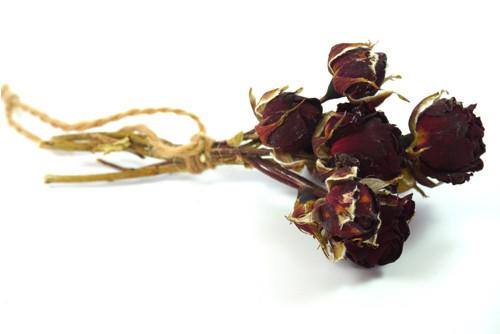 sušená malá kytice z růží