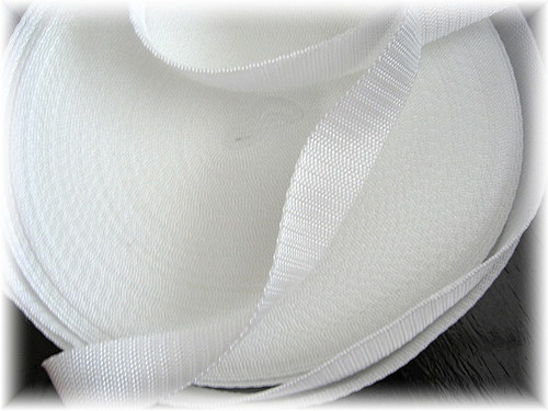 popruh bílý,šíře 25 mm